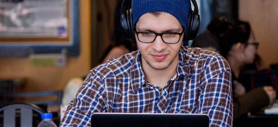 How to Wear Headphones for People Who Wear Glasses