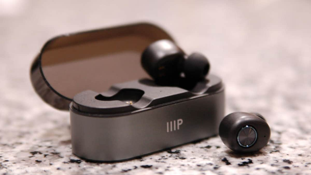 What Are True Wireless Headphones And Are They Worth It